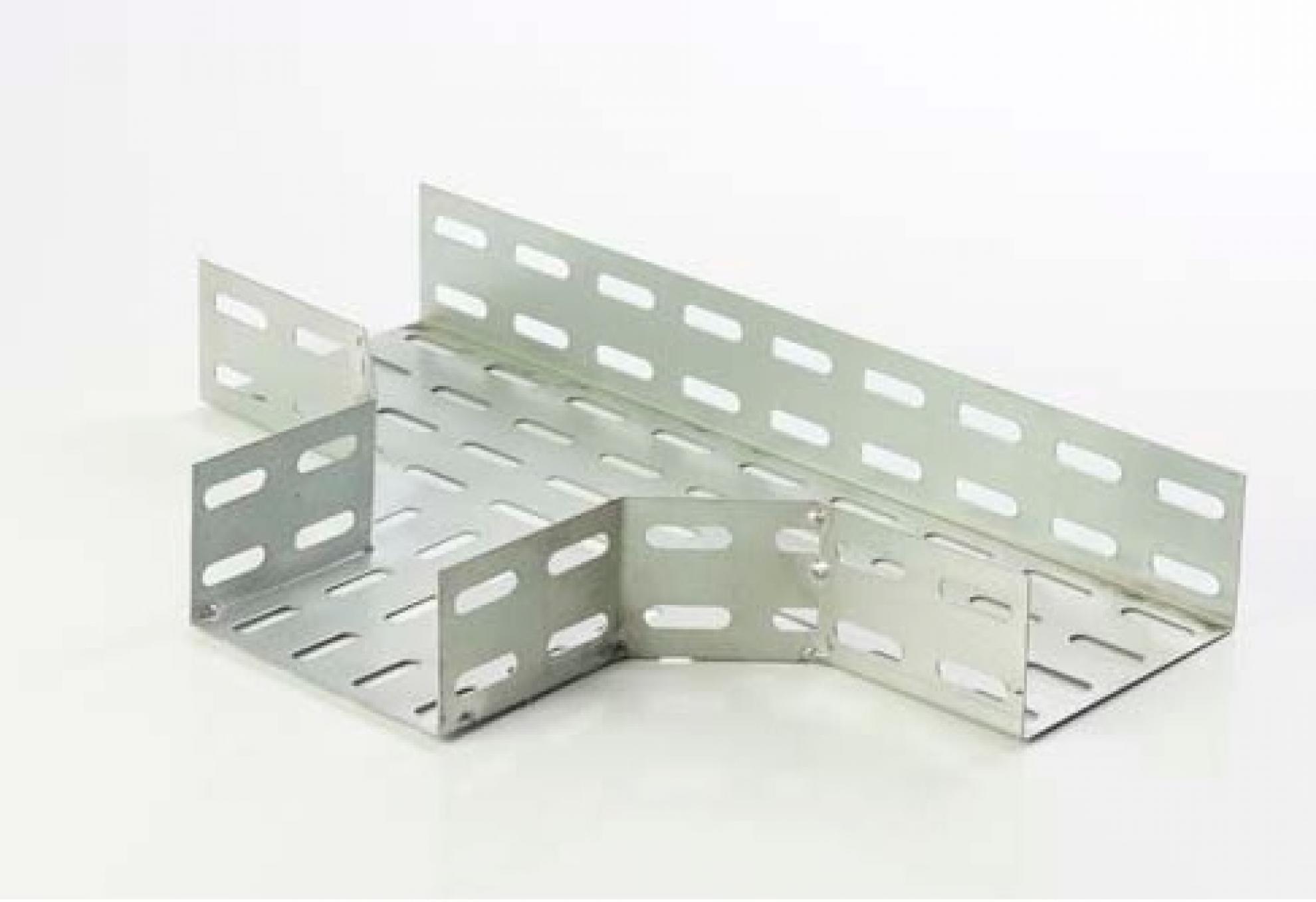 T horizontal perfurado 100X50 90� - Zincado
